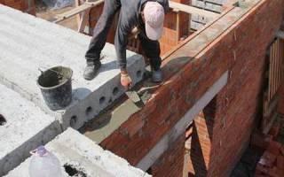 Укладка плит перекрытия на кирпичную стену