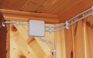 Как правильно проложить проводку в деревянном доме?