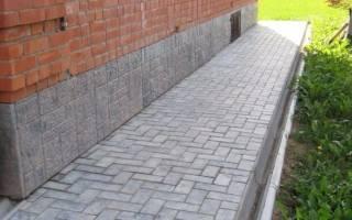 Тротуарная плитка на бетонную отмостку как уложить?