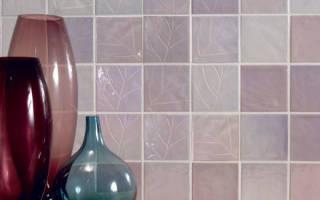Надо ли шпаклевать стены под плитку?