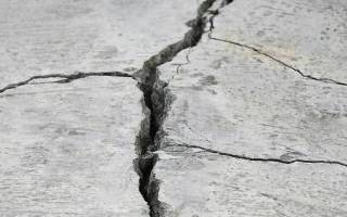 Почему трескается бетон после заливки?
