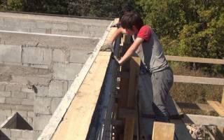 Как прикрепить брус к кирпичной стене?