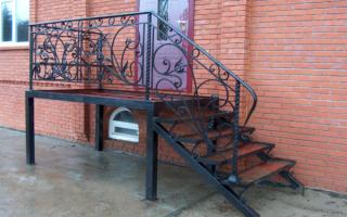 Входная лестница в частный дом своими руками