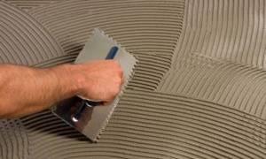 Можно ли штукатурить клеем для плитки?