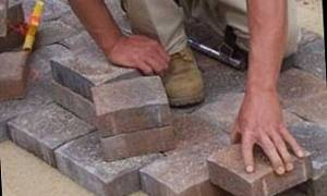 Как изготовить тротуарную плитку в домашних условиях?
