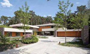 Как выровнять двор в частном доме?