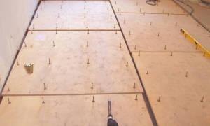 Как крепить фанеру к бетонному полу?